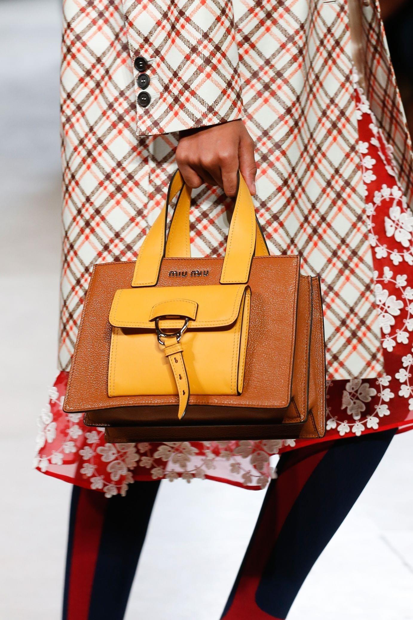Miu miu весна лето 2018 комбинированная сумка