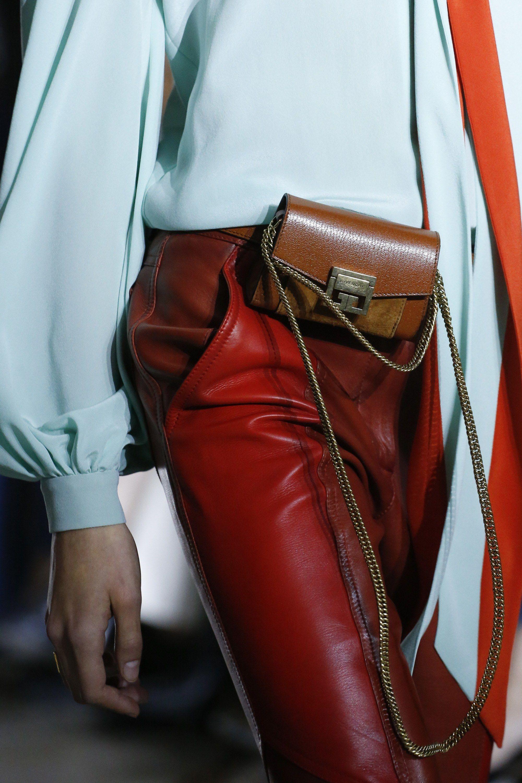 Givenchy весна лето 2018 коричневый клатч