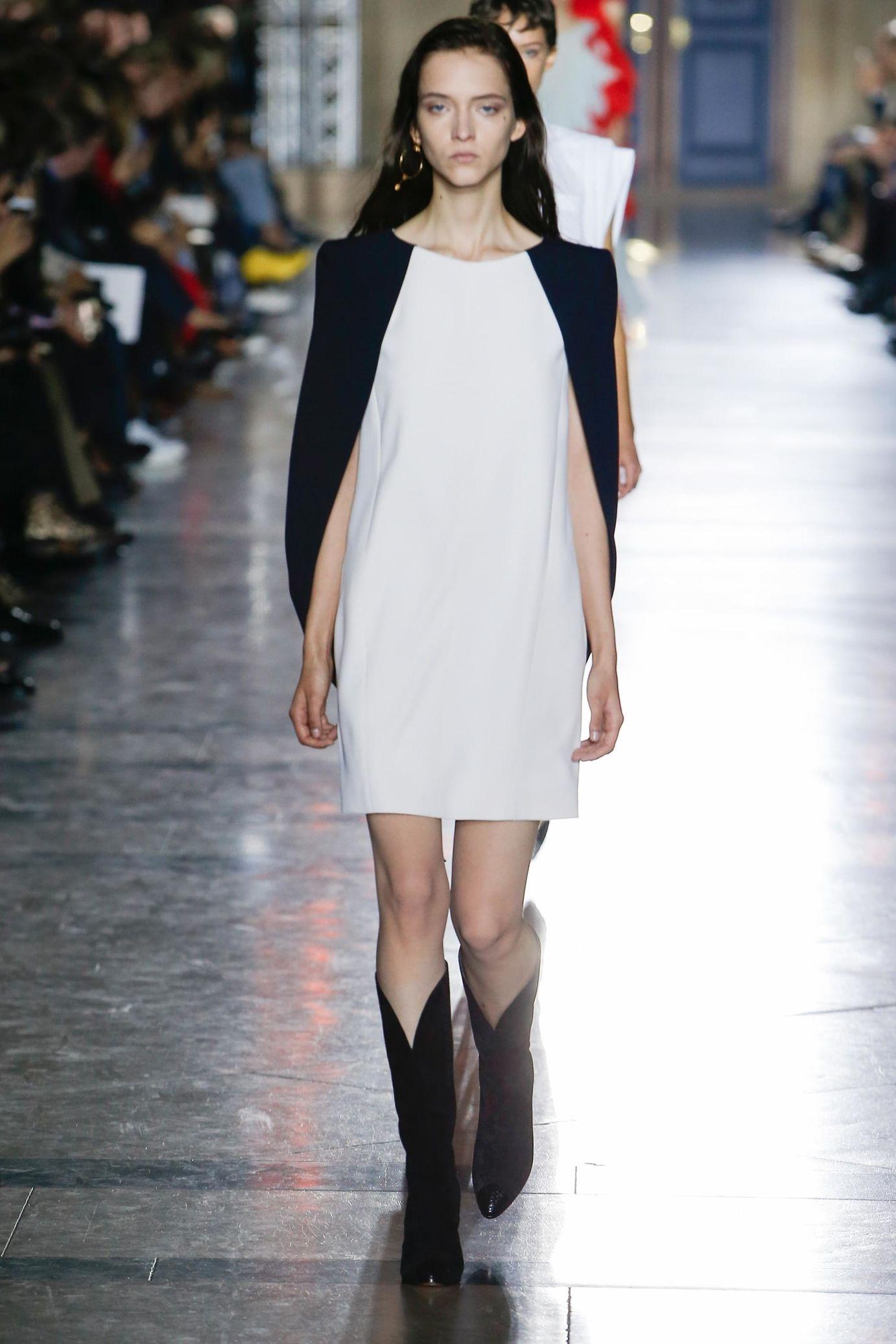 Givenchy весна лето 2018 короткое платье