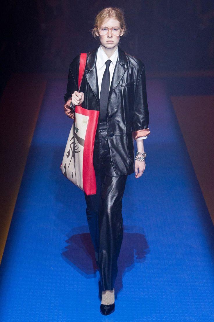 Gucci весна лето 2018 кожаное пальто