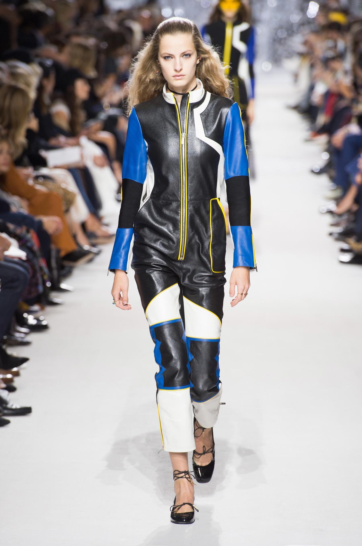 Christian Dior весна лето 2018 кожаный комбинезон
