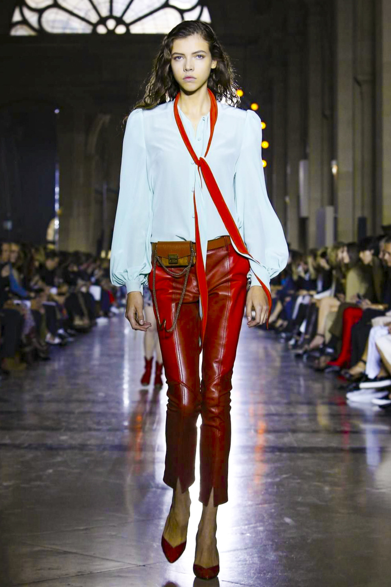 Givenchy весна лето 2018 кожаные штаны