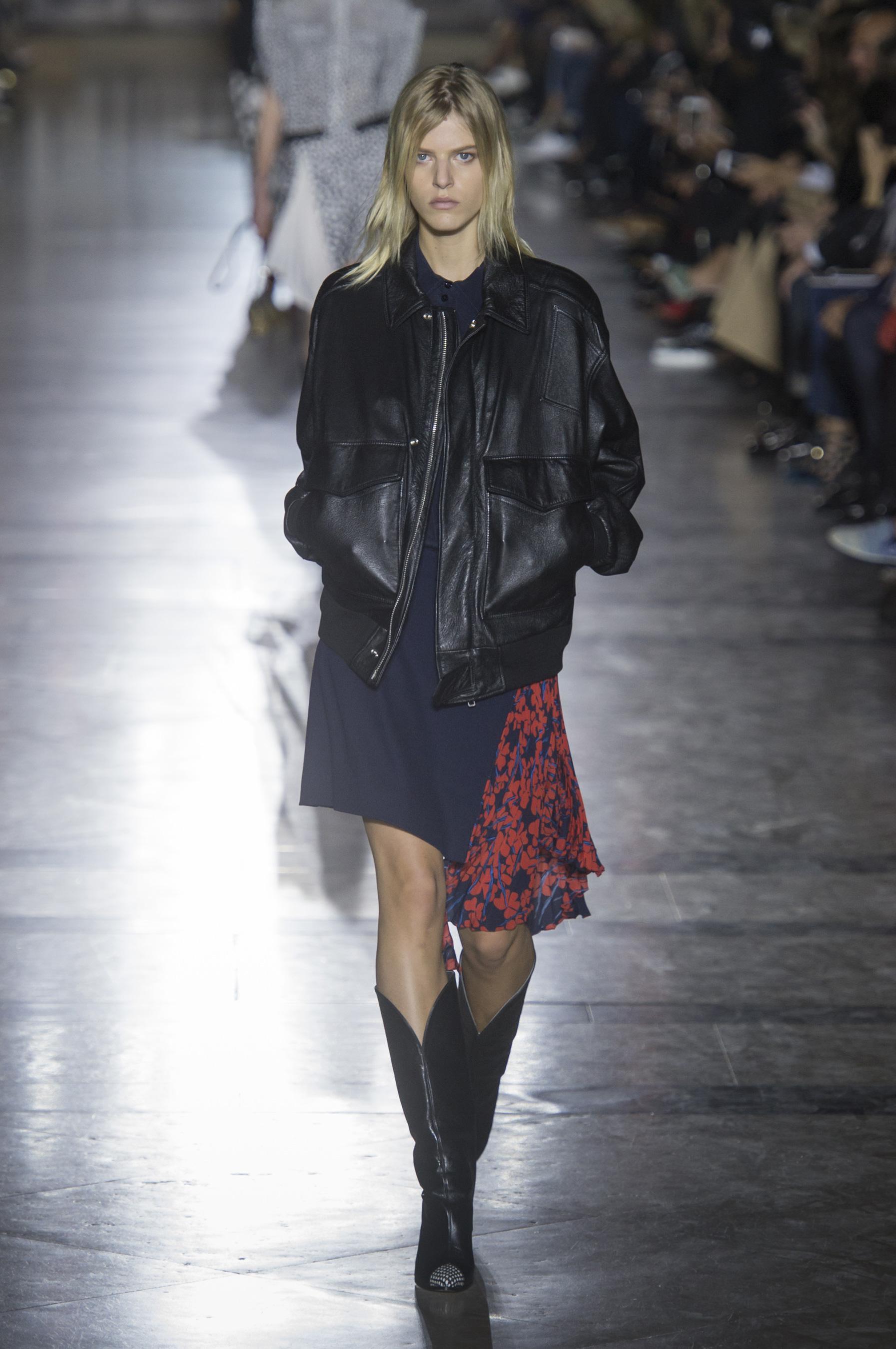 Givenchy весна лето 2018 кожаная куртка
