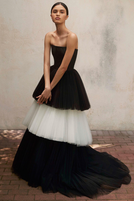 Платье с фатином красивое