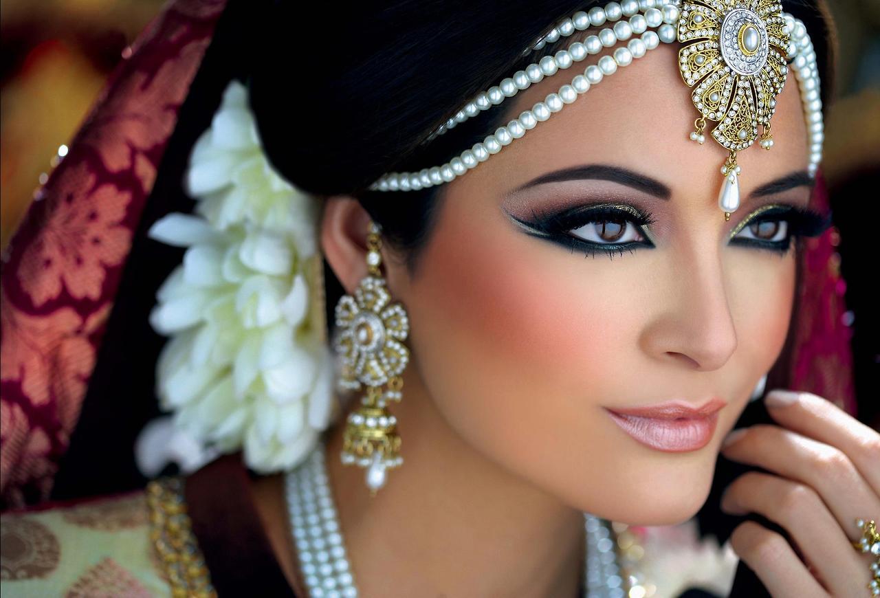 Восточный макияж красивый