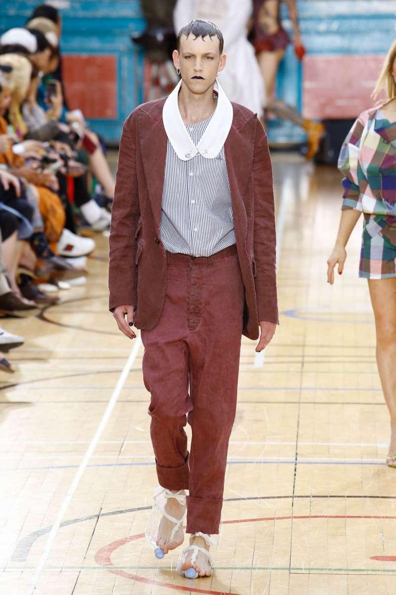 Vivienne Westwood весна лето 2018 мужской красный костюм