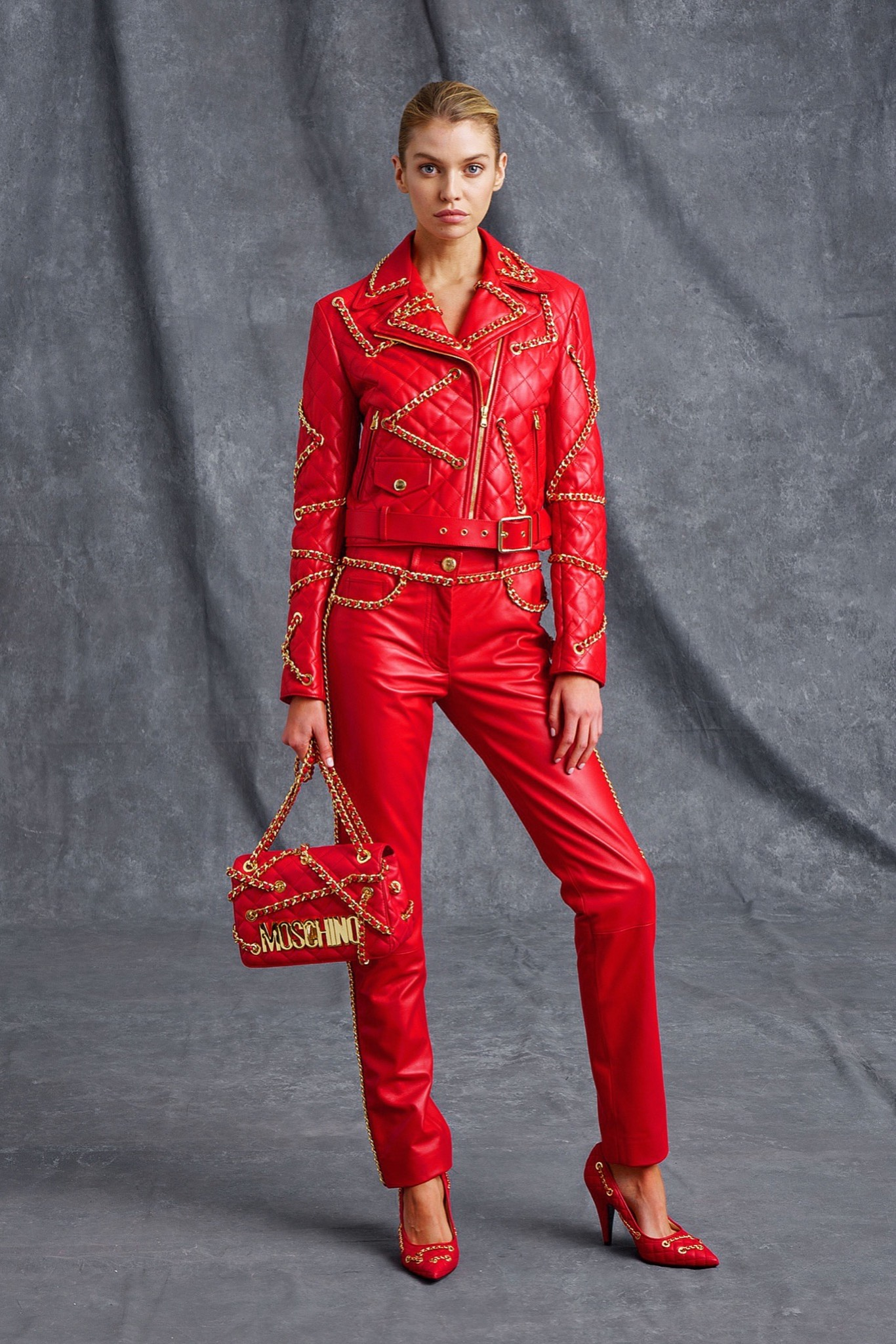 Косуха женская красная с цепочками