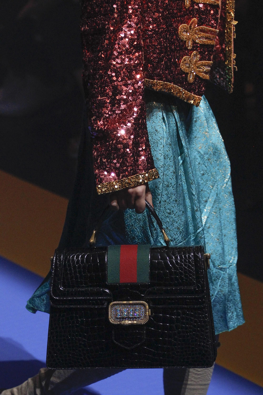 Кожаная сумка женская под крокодила