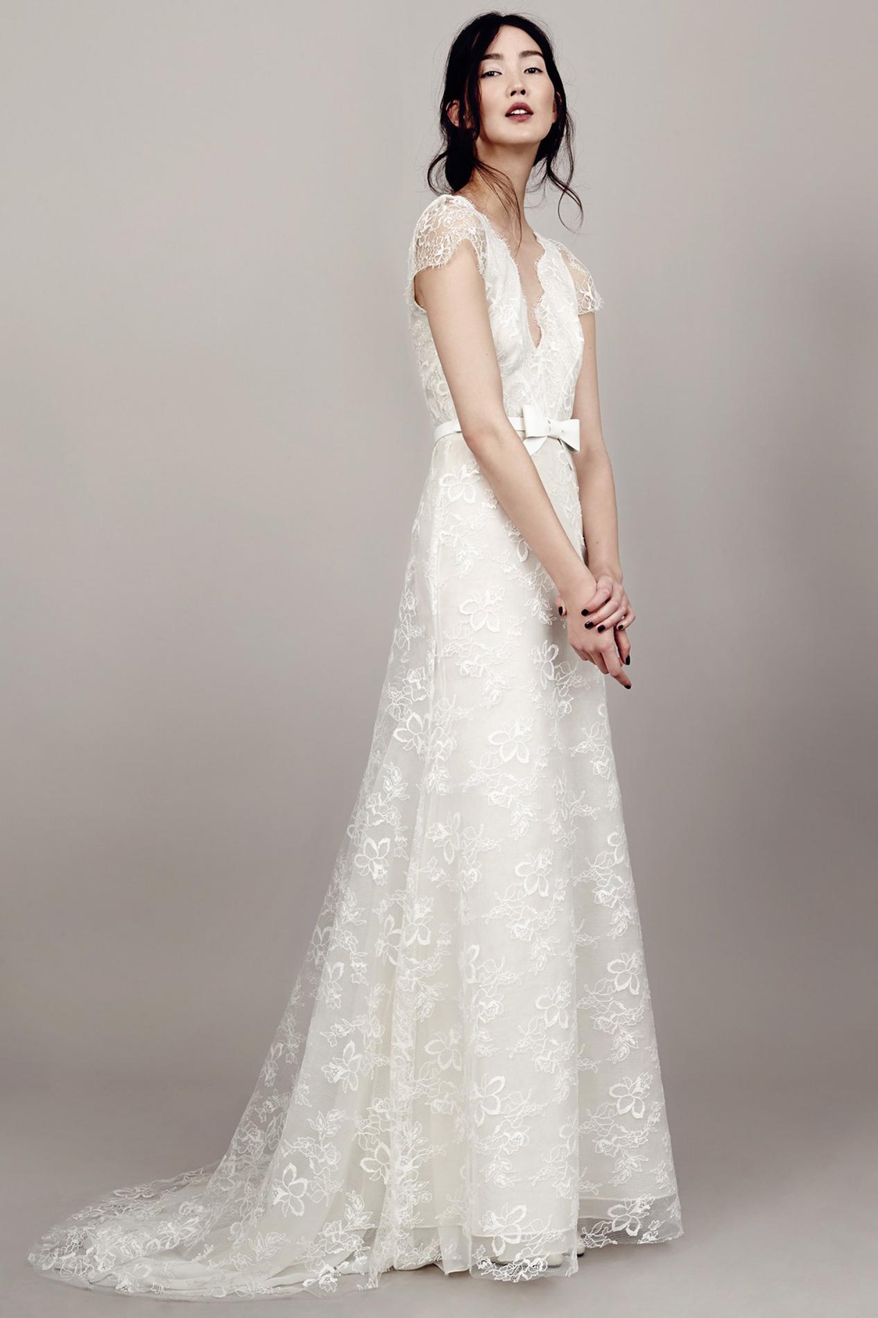 Свадебное платье для полных кружевное