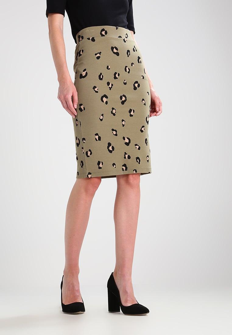 Бежевая юбка леопардовая