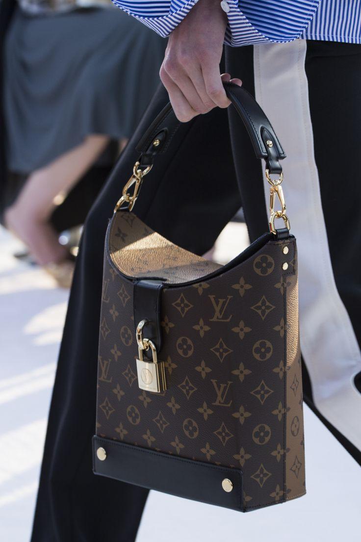 Кожаная сумка женская Louis Vuitton