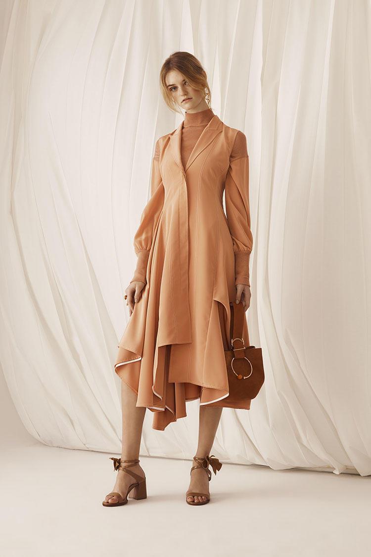 Расклешенное платье миди с воланами