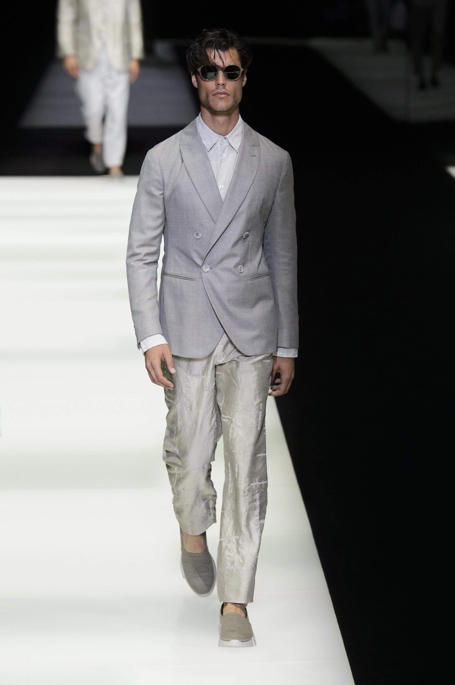 Giorgio Armani весна лето 2018 мужской костюм