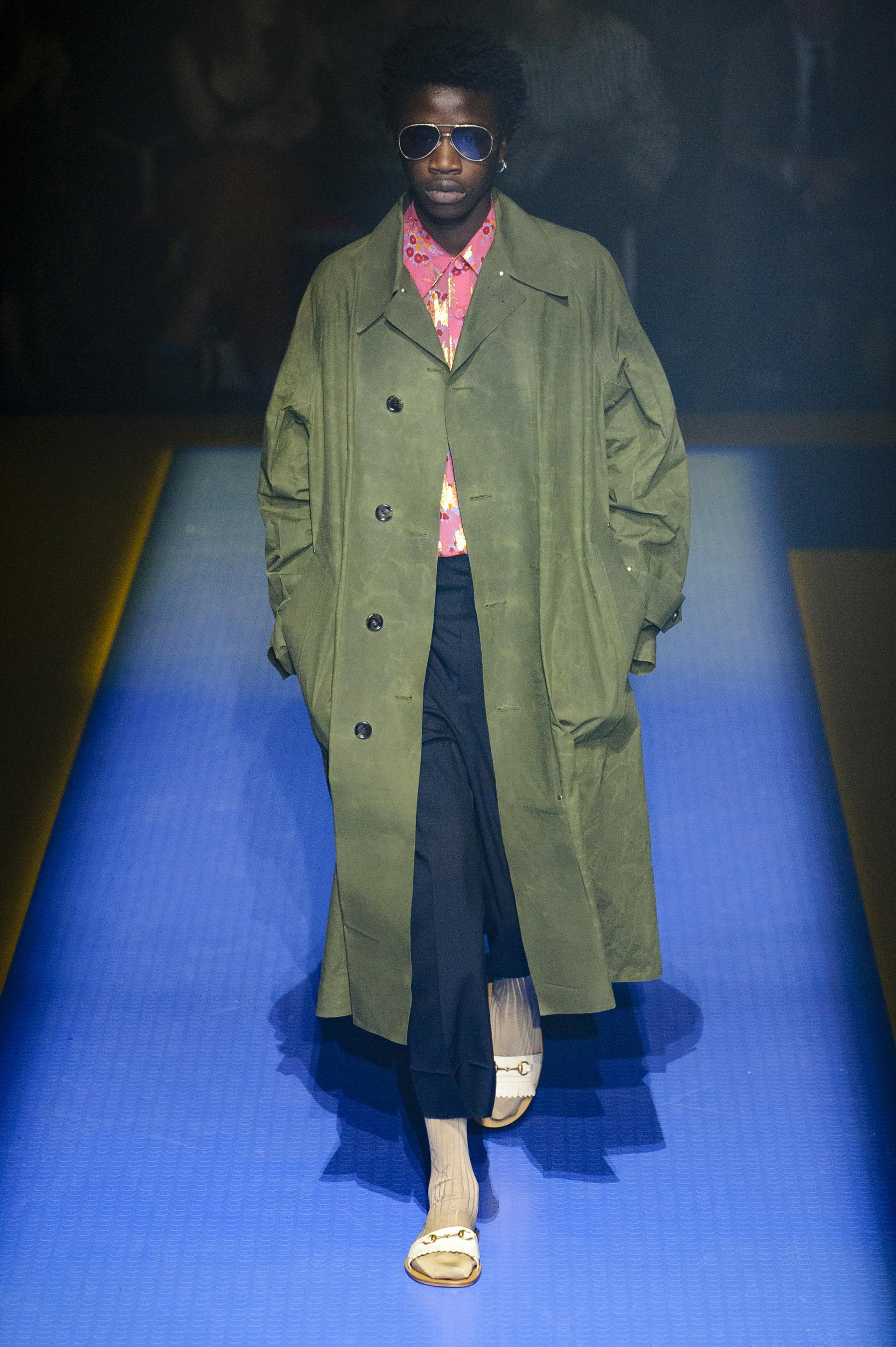 Gucci весна лето 2018 мужское пальто