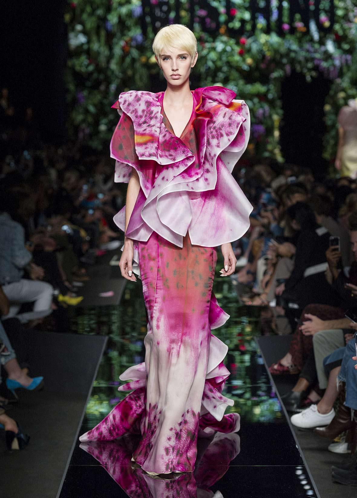 Moschino весна лето 2018 платье в виде орхидеи
