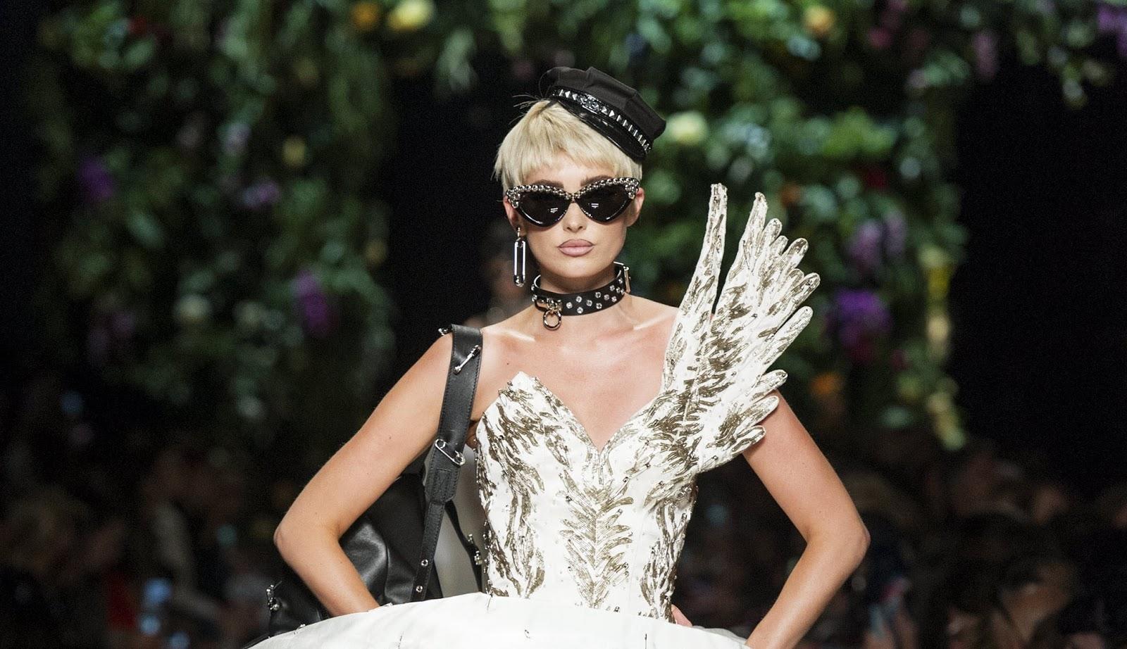 Moschino весна лето 2018 оригинальное платье