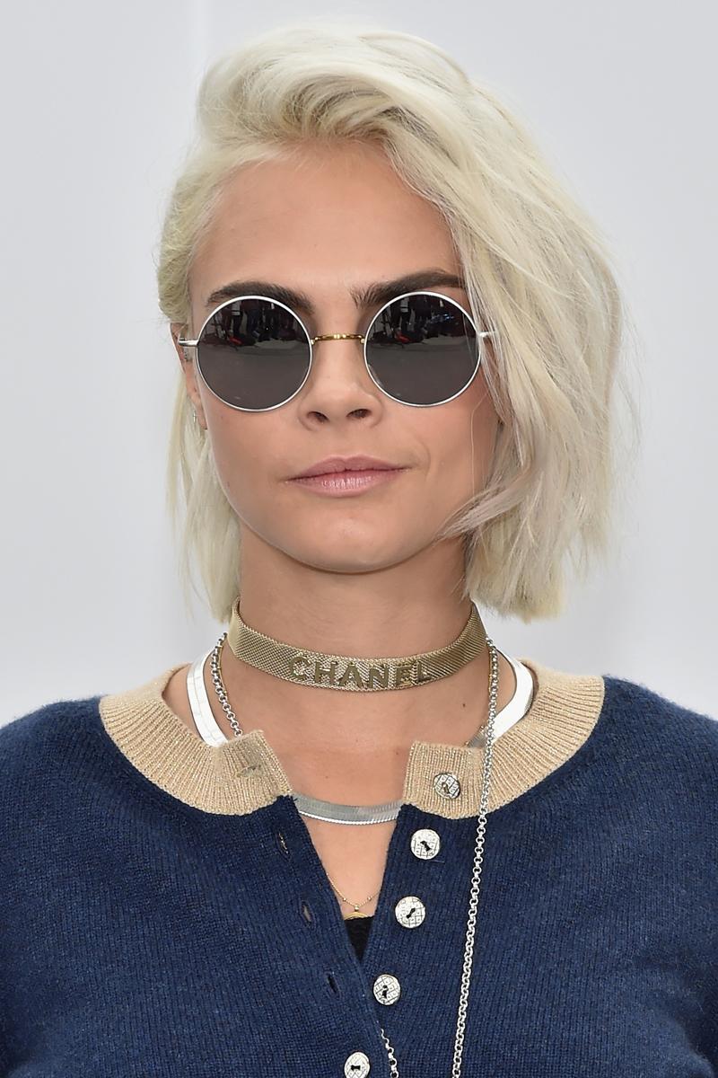 Стрижка на средние волосы 2018 осветленная