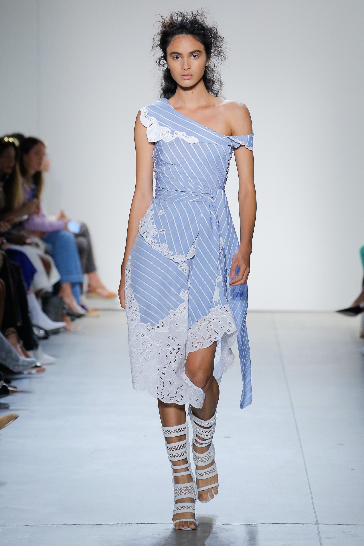 Платье в полоску 2018 с кружевной отделкой
