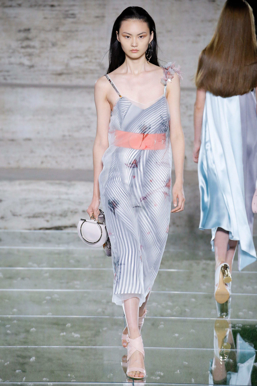 Salvatore Ferragamo весна лето 2018 платье
