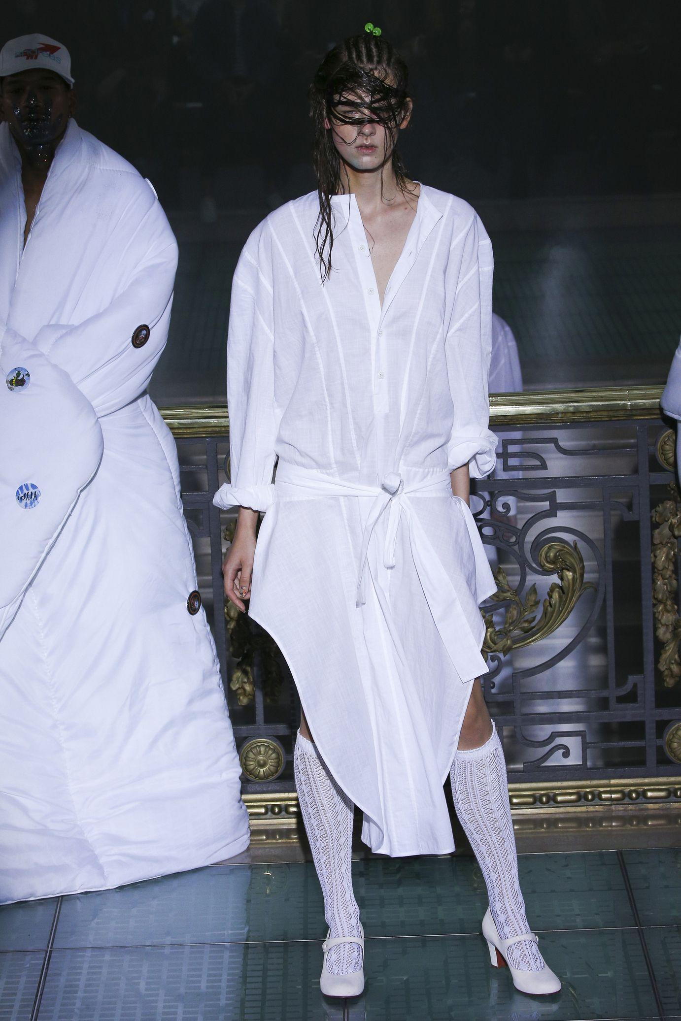 Vivienne Westwood весна лето 2018 платье рубашка