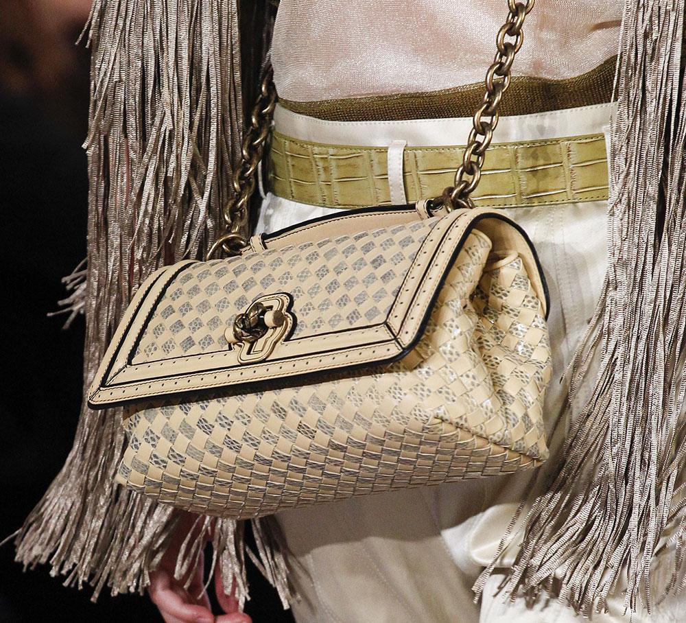 Кожаная сумка женская плетеная белая