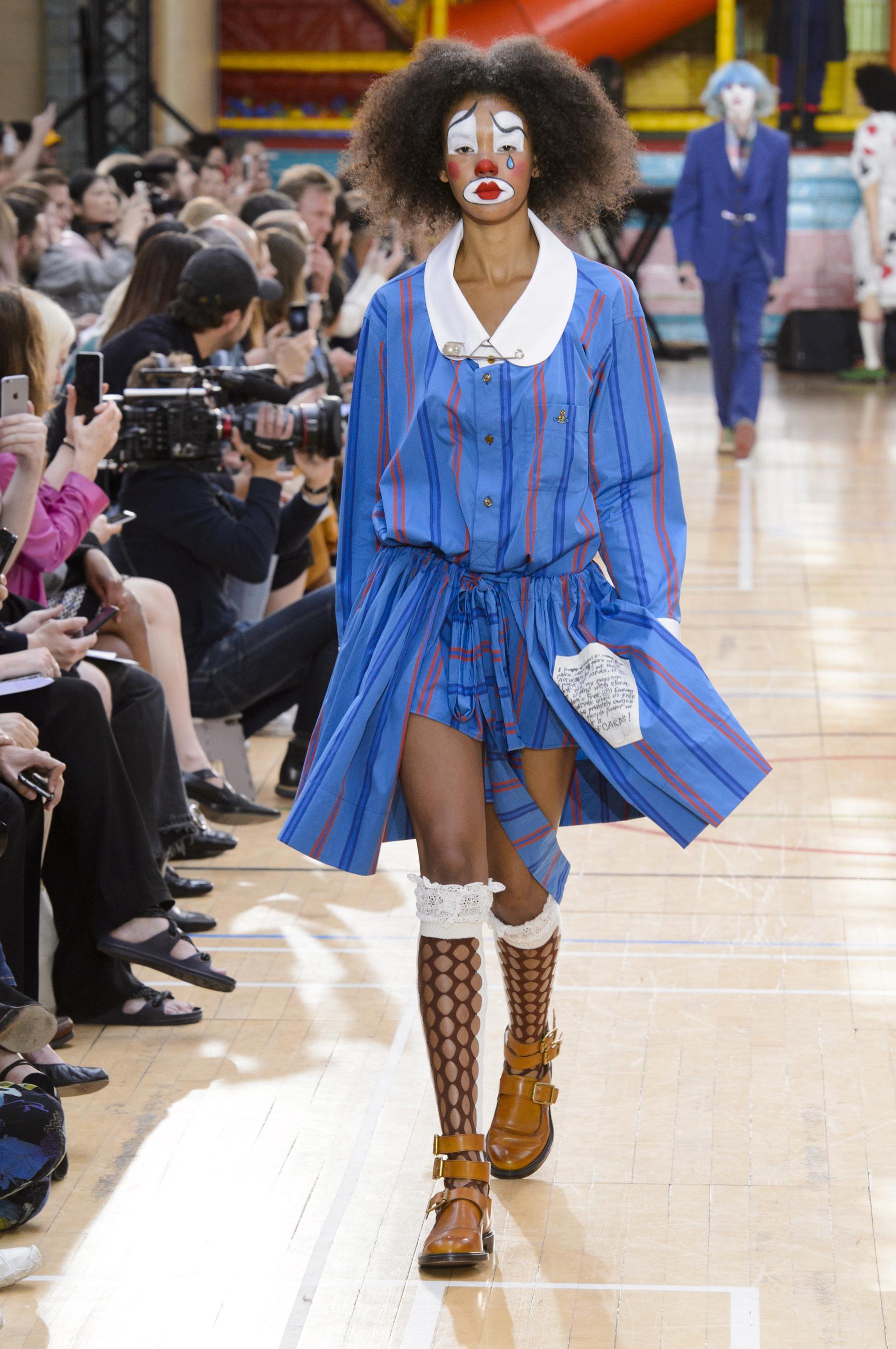 Vivienne Westwood весна лето 2018 платье в полоску