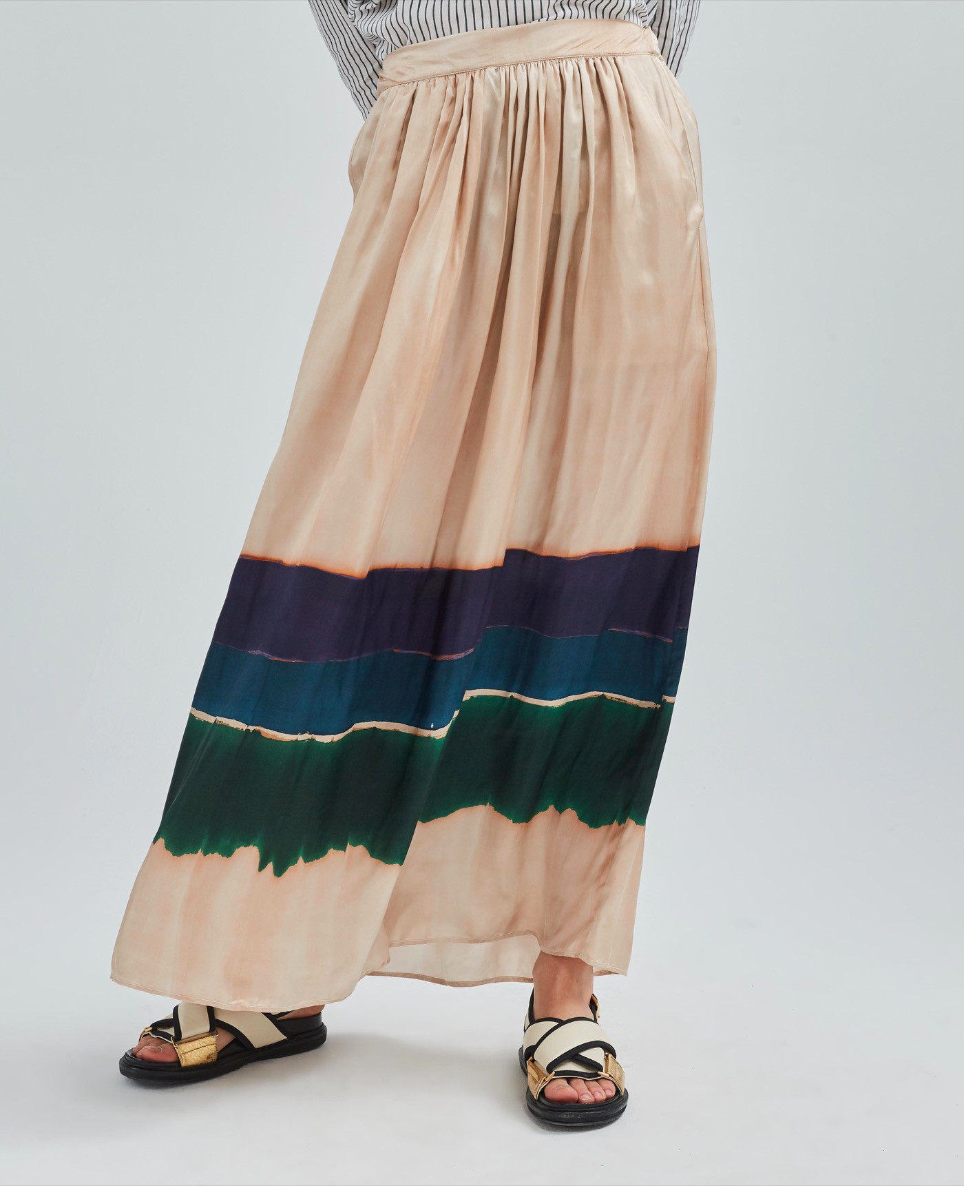 Бежевая юбка с полосками
