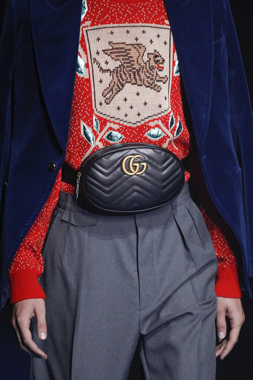 Кожаная сумка женская на пояс Gucci