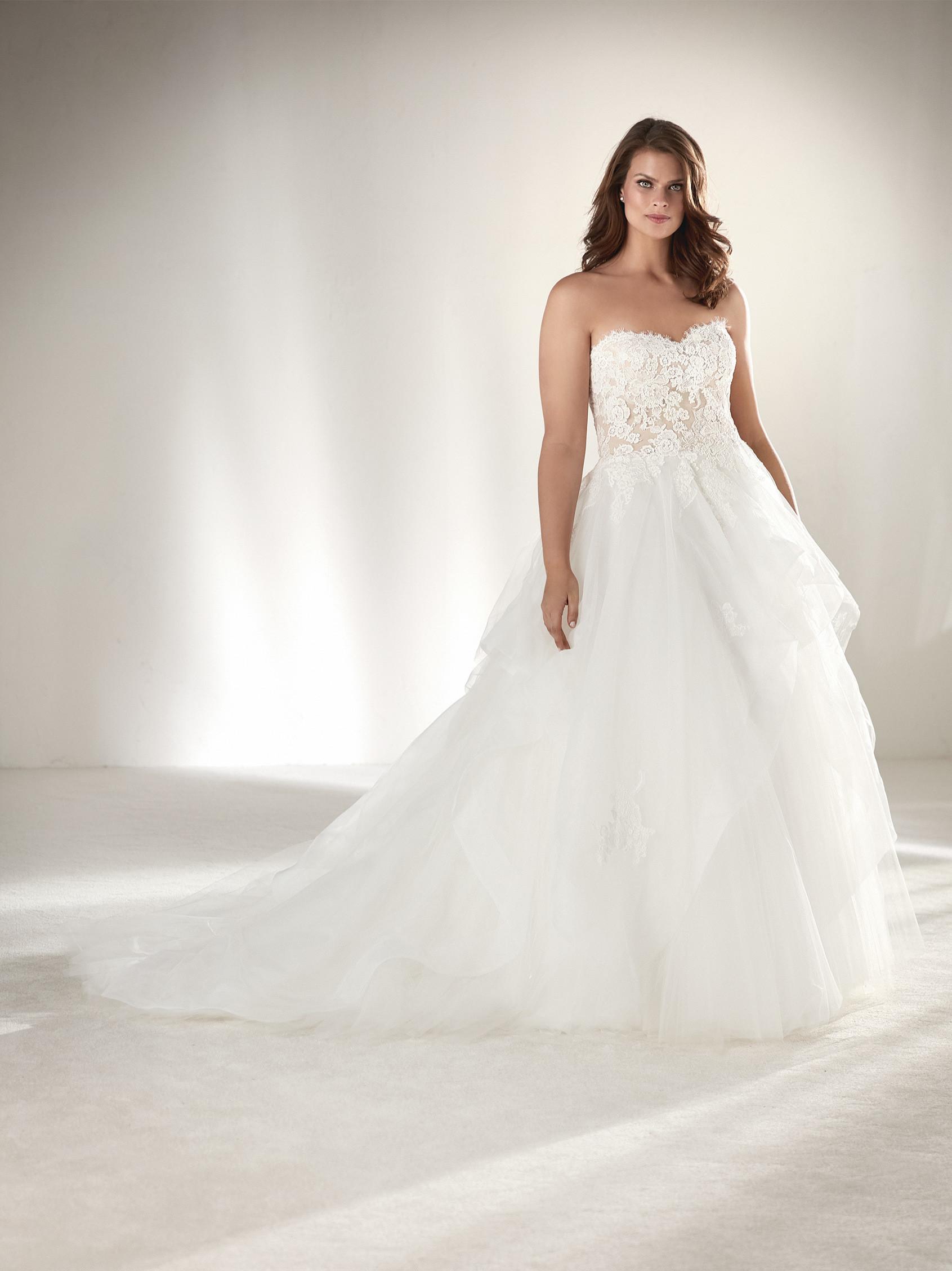 Свадебное платье для полных принцесса со шлейфом