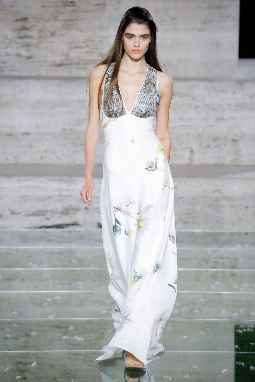 Salvatore Ferragamo весна лето 2018 платье с принтом