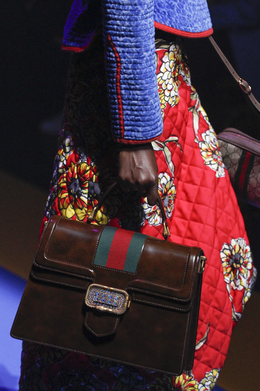 Gucci весна лето 2018 сумка с пряжкой