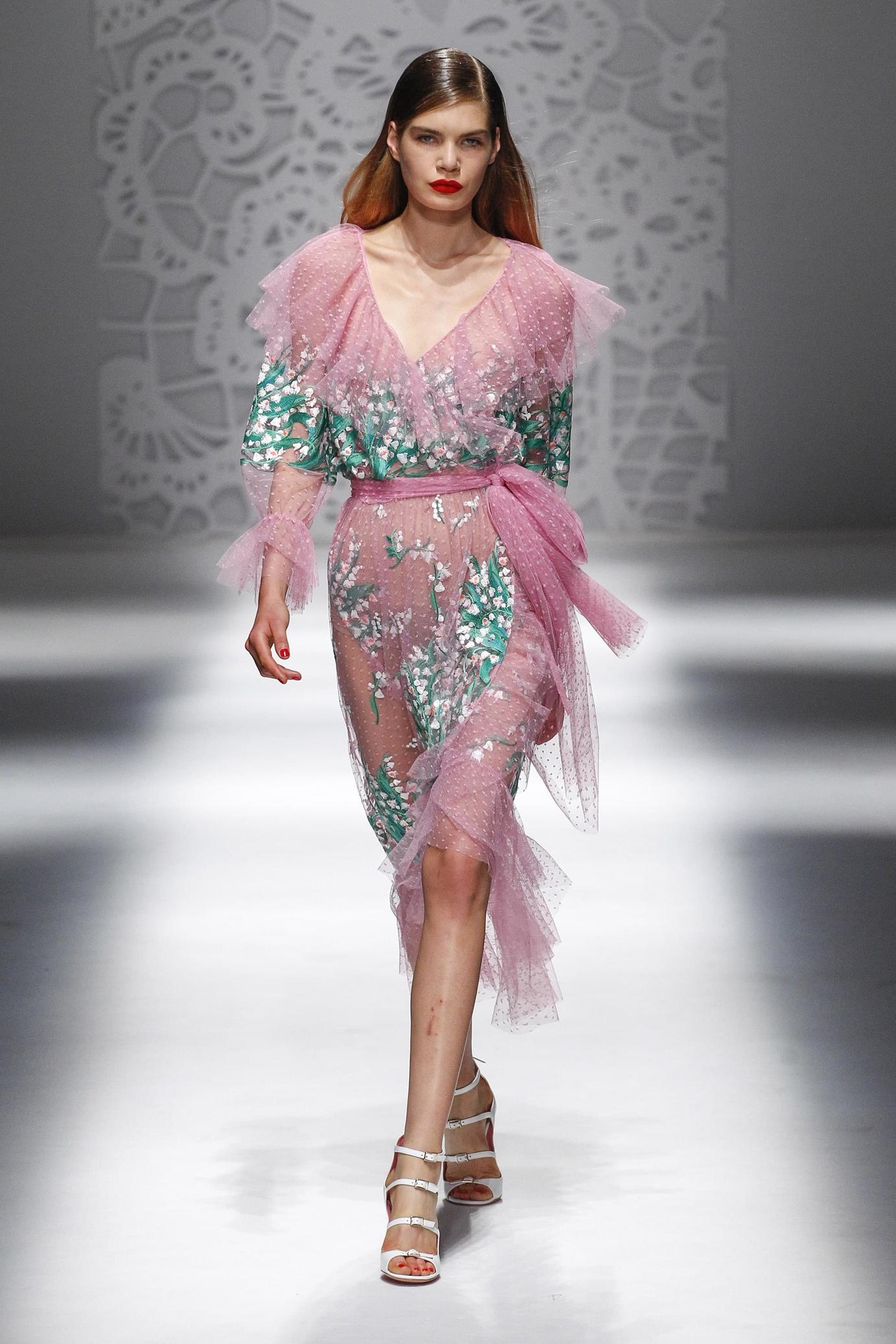 Blumarine весна лето 2018 платье розовое