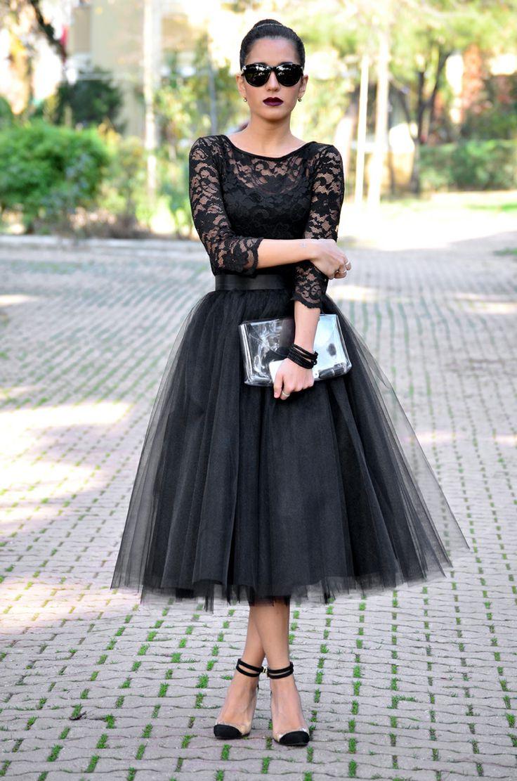 Платье с фатином и рукавом