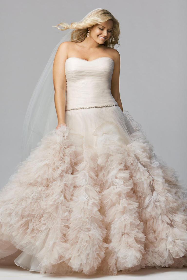 Свадебное платье для полных с рюшами