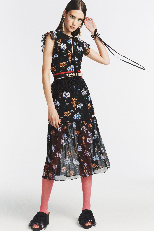 Расклешенное платье шифоновое