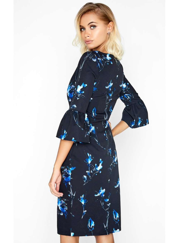 Расклешенное платье синее