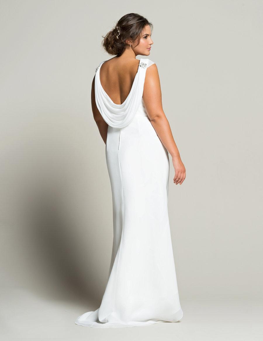 Свадебное платье для полных с открытой спиной