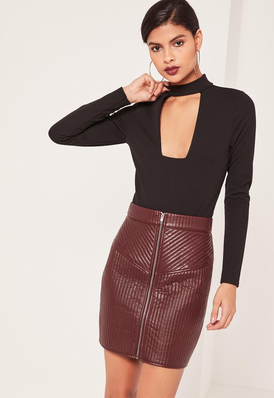 Бордовая юбка стеганая