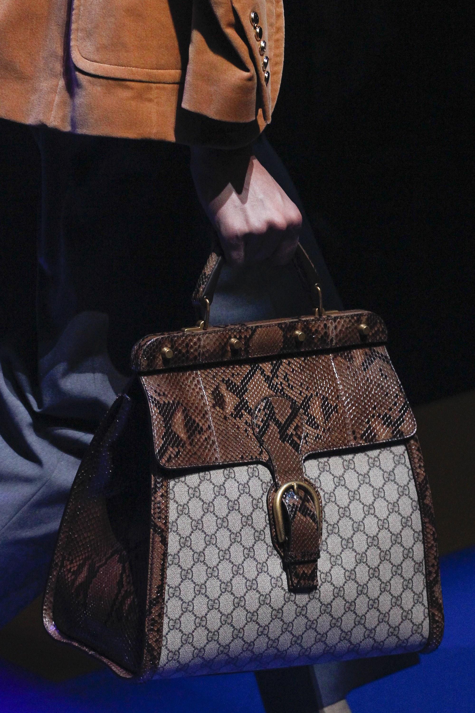 Gucci весна лето 2018 сумка под змею