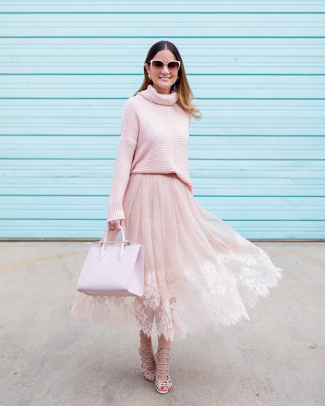 Платье с фатином светлое
