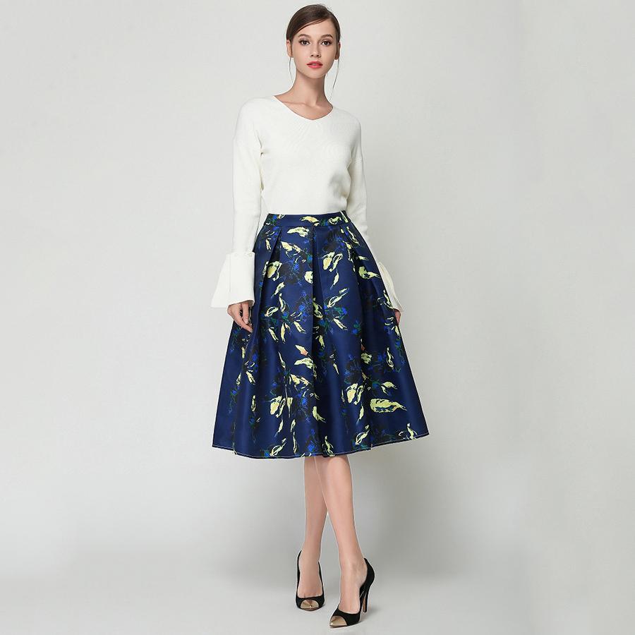 Расклешенное платье с юбкой