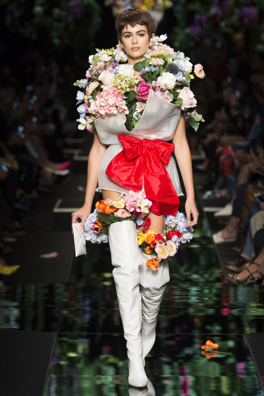Moschino весна лето 2018 вечернее платье