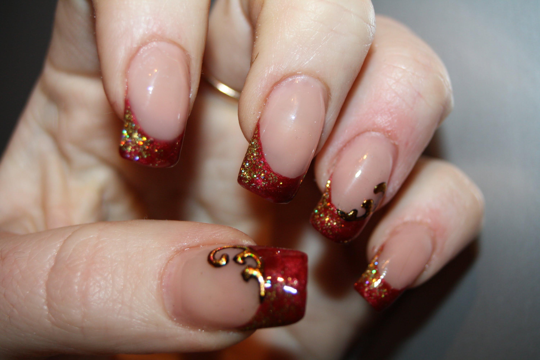 красный френч с золотом на ногтях фото свою