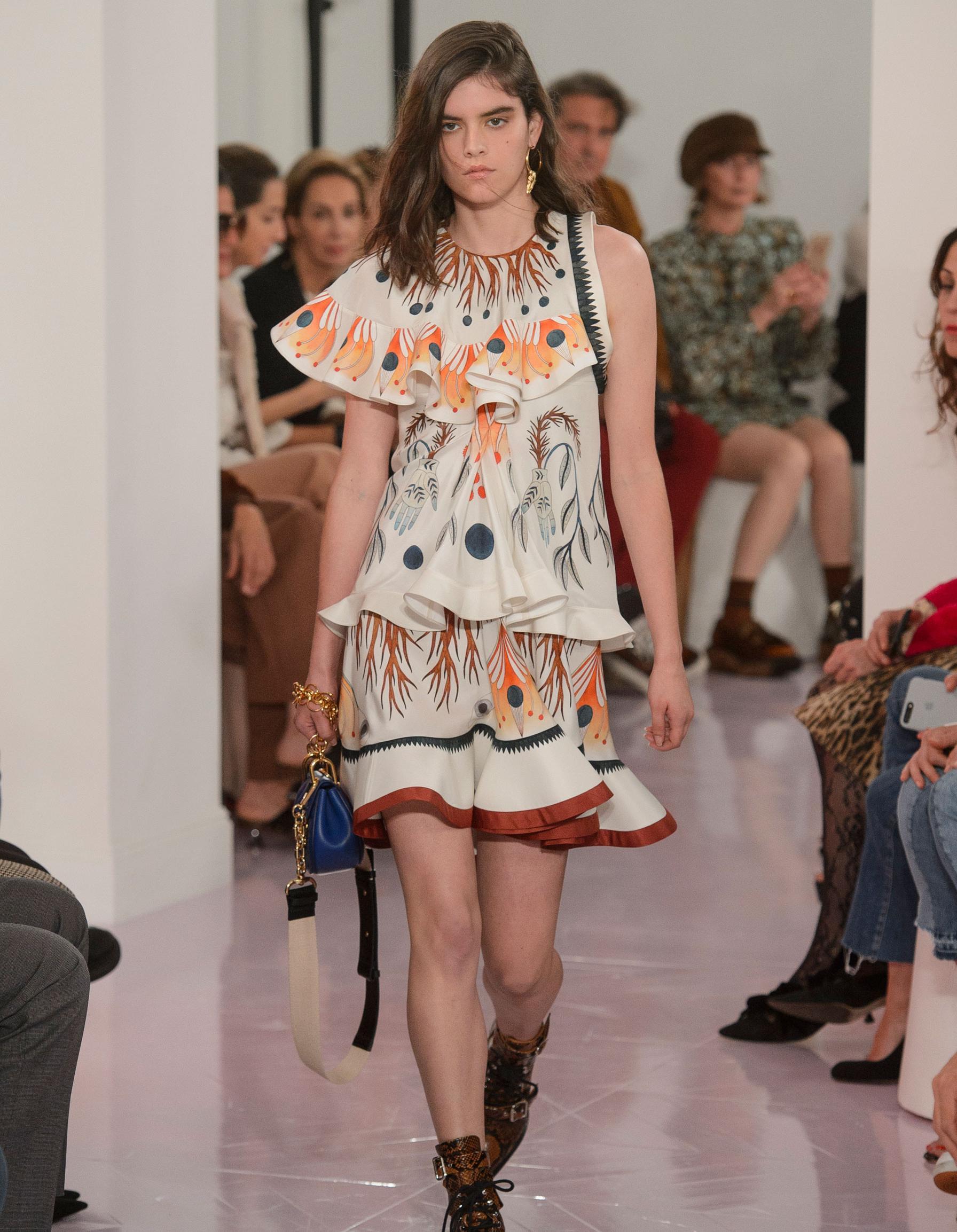Платье бохо с воланами
