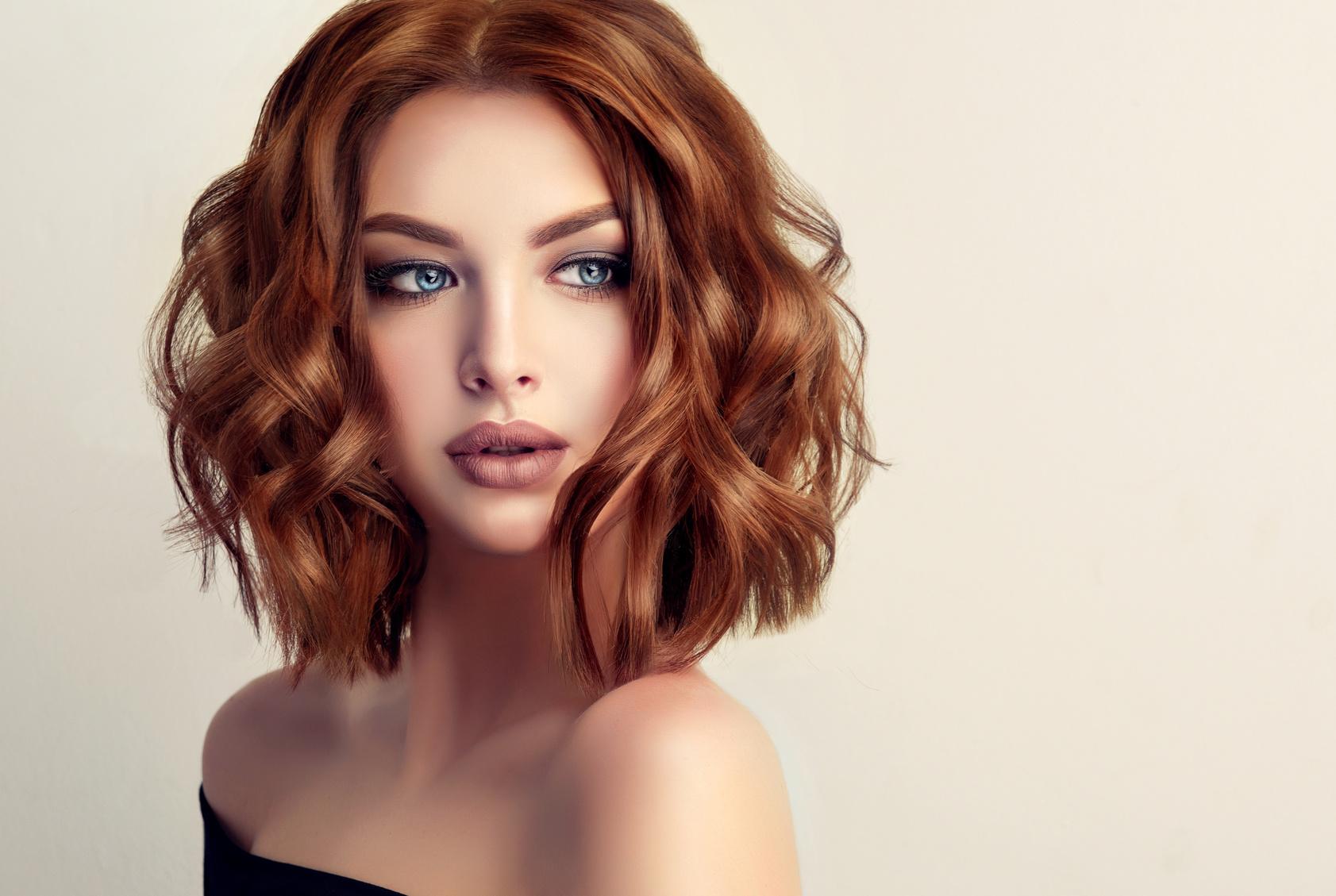 Стрижка на средние волнистые волосы 2018