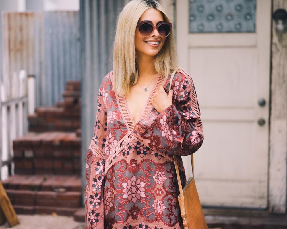 vyrez Платье трапеция, какие модели в моде и с чем его лучше носить