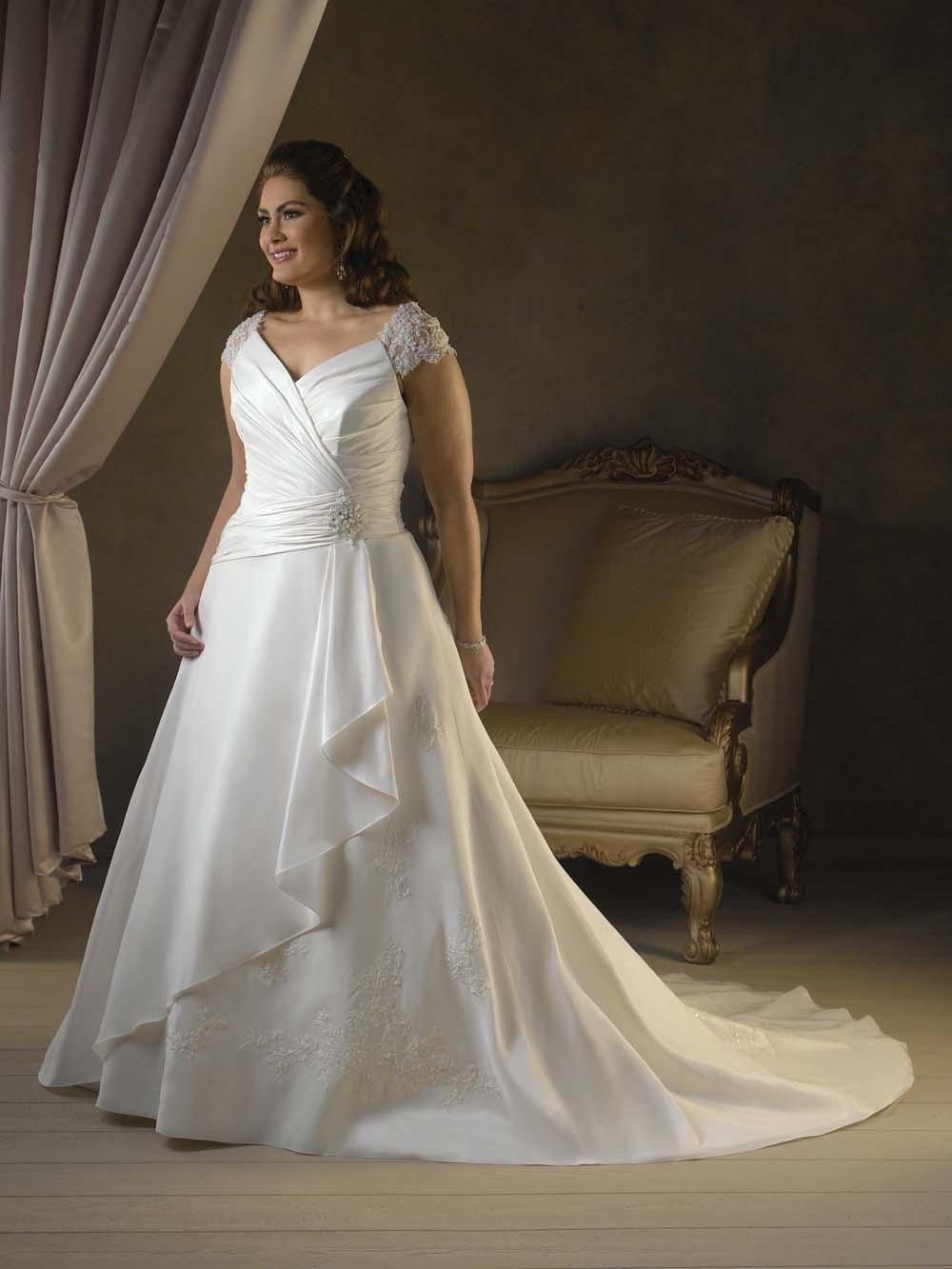 Свадебное платье для полных с запахом