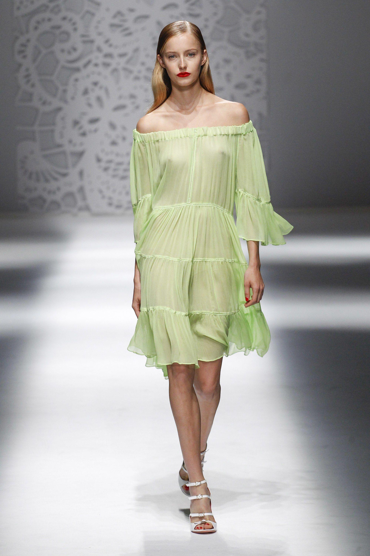 Blumarine весна лето 2018 зеленое платье