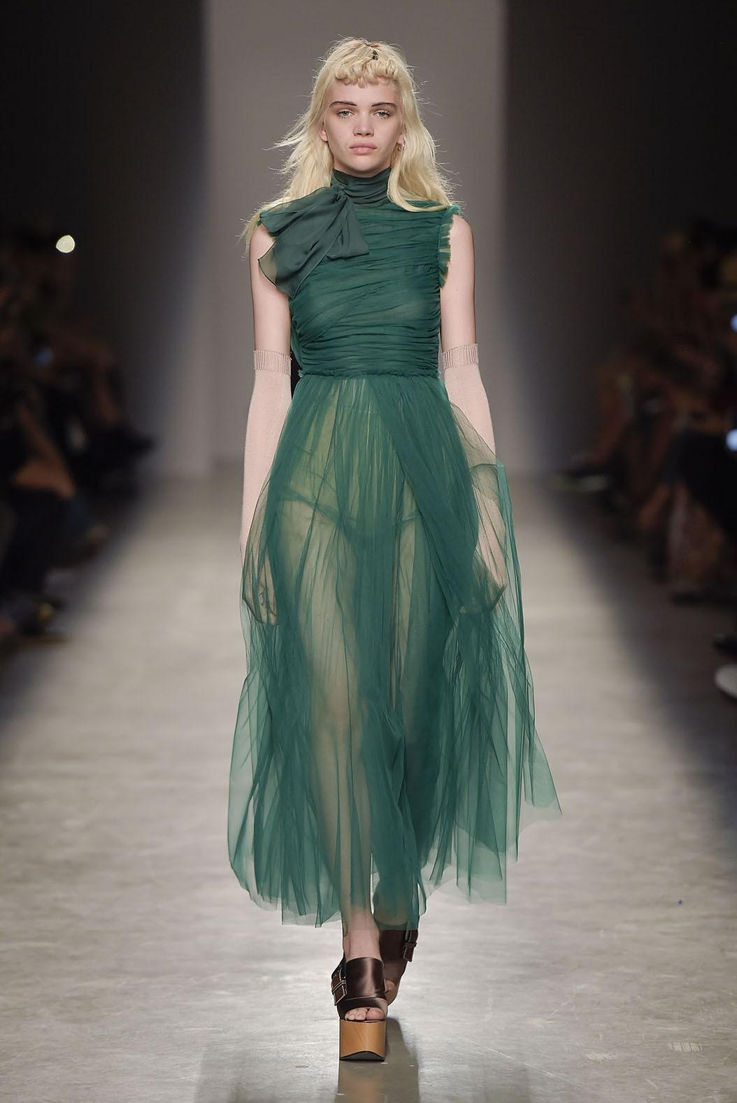 Платье с фатином зеленое