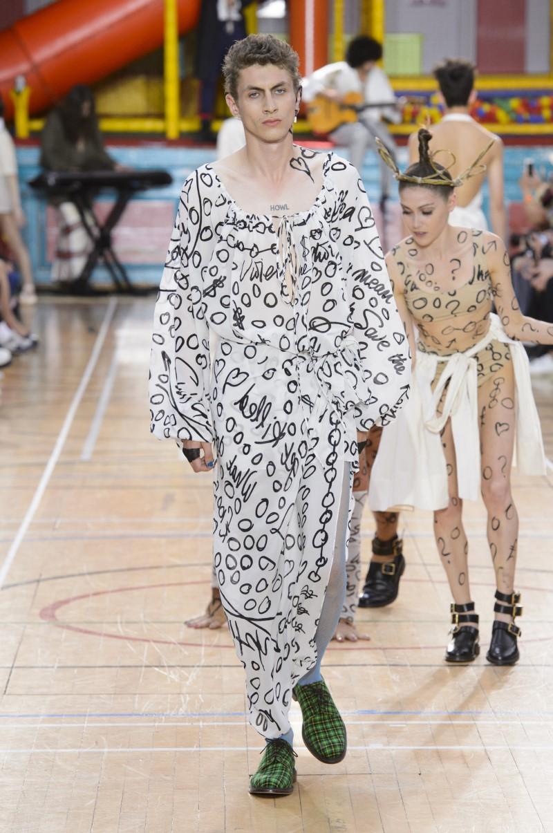 Vivienne Westwood весна лето 2018 зеленые мужские туфли